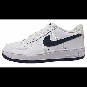 Brand New Boys Nike Air Force 1 shoes sz  5Y
